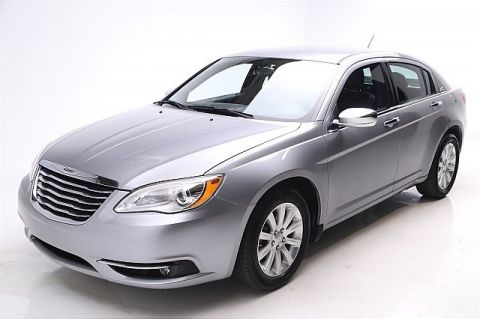 Pre-Owned 2013 Chrysler 200 4d Sedan Limited Front Wheel Drive 4dr Car