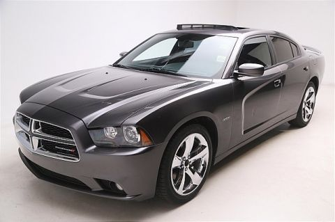 Pre-Owned 2013 Dodge Charger 4d Sedan R/T Rear Wheel Drive 4dr Car